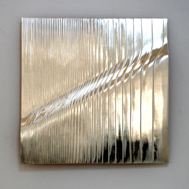 Rise, 12 ct white gold on carved wood , 80 cm square